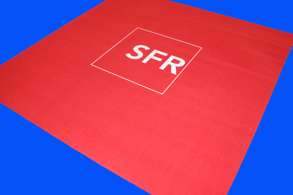 Moquette publicitaire SFR